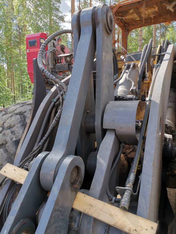käytetty-pyärökuormaaja-volvo-180-g-konekorjaamo-riikonen