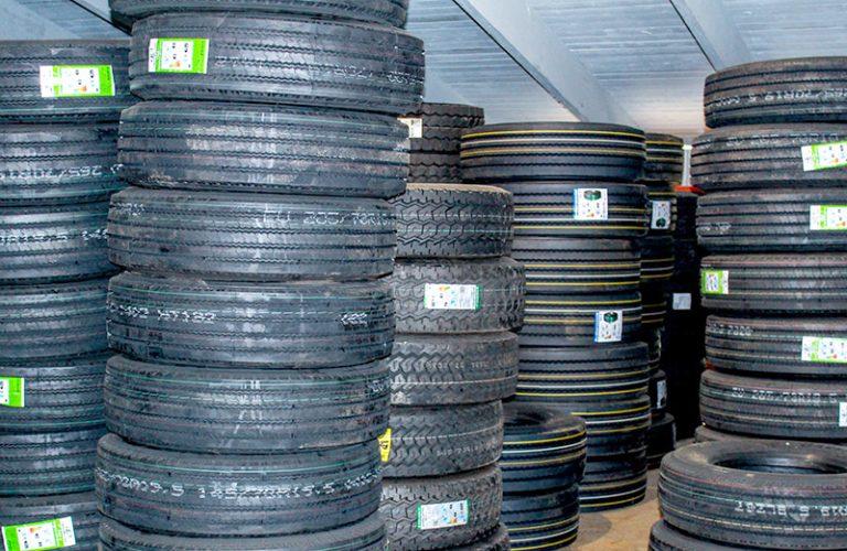 Raskaan kaluston korjaamo varaosat ja renkaat