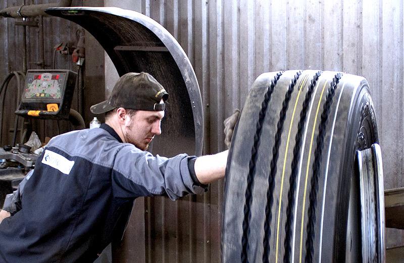 raskaan-kaluston-renkaat-konekorjaamo-riikonen-rengastyöt