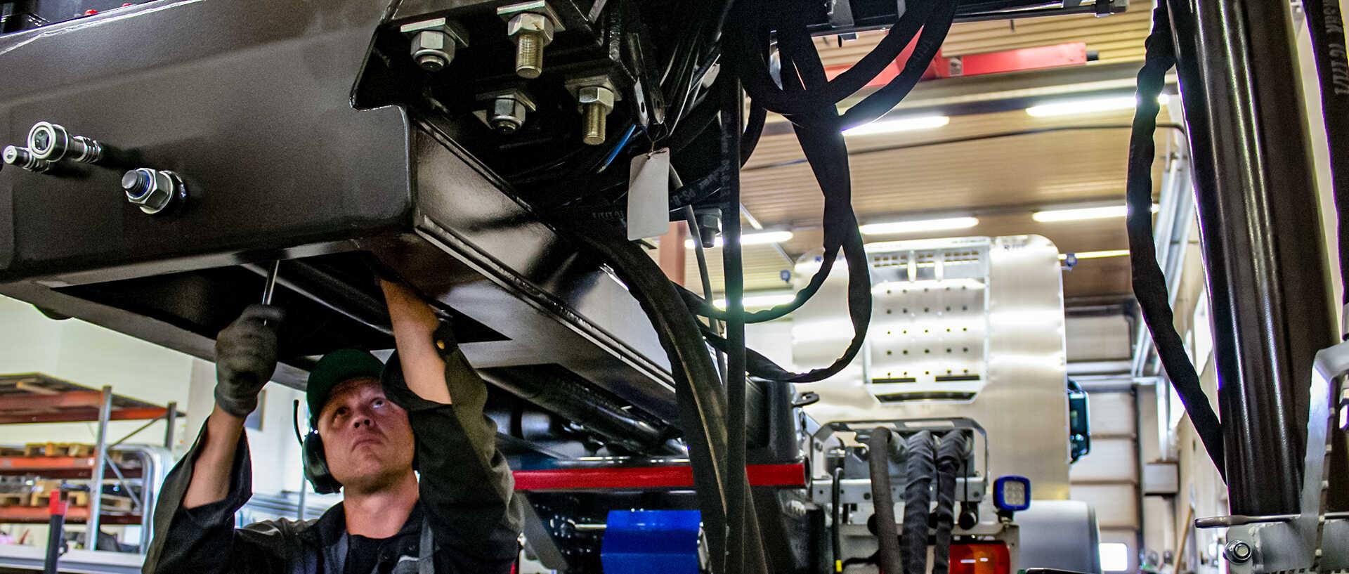 konekorjaamo-riikonen-oy-raskaan-kaluston-korjaamo-riiko-päällirakenteet