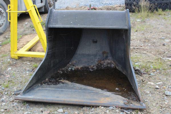 kaivinkoneen-tilttikauha-konekorjaamo-riikonen-oy2