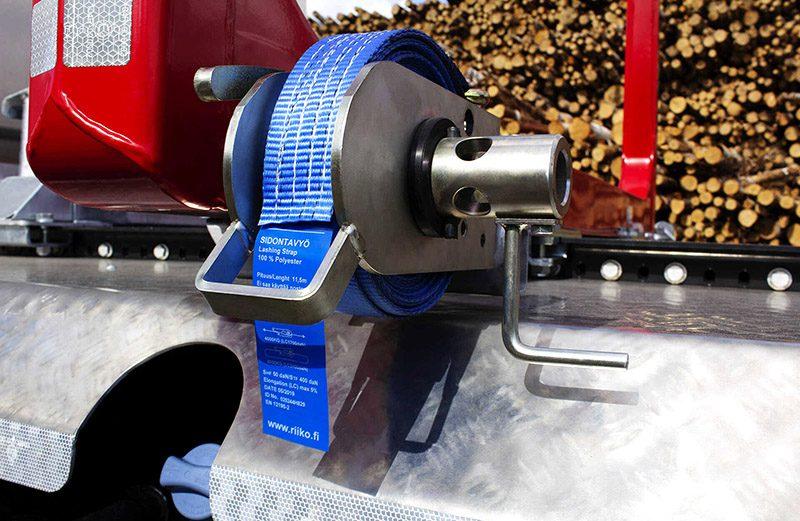 riiko-puutavara-päällirakenne-mekaaninen-kuormankiristin